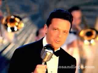 Santa Claus Llego A La Ciudad (Santa Claus Is Coming To Town) by Luis Miguel (c) 2006 Wea International Inc. Manufacture and Distribuited by Warner Music Latina Inc. A Warner Music Group Company. All Rights Reserved.