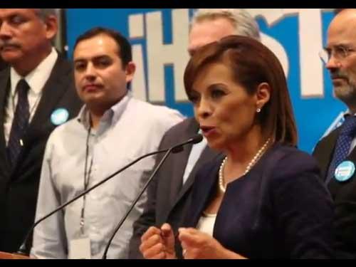 Josefina V�zquez Mota asiste al segundo debate de Candidatos a la Presidencia de la Rep�blica.